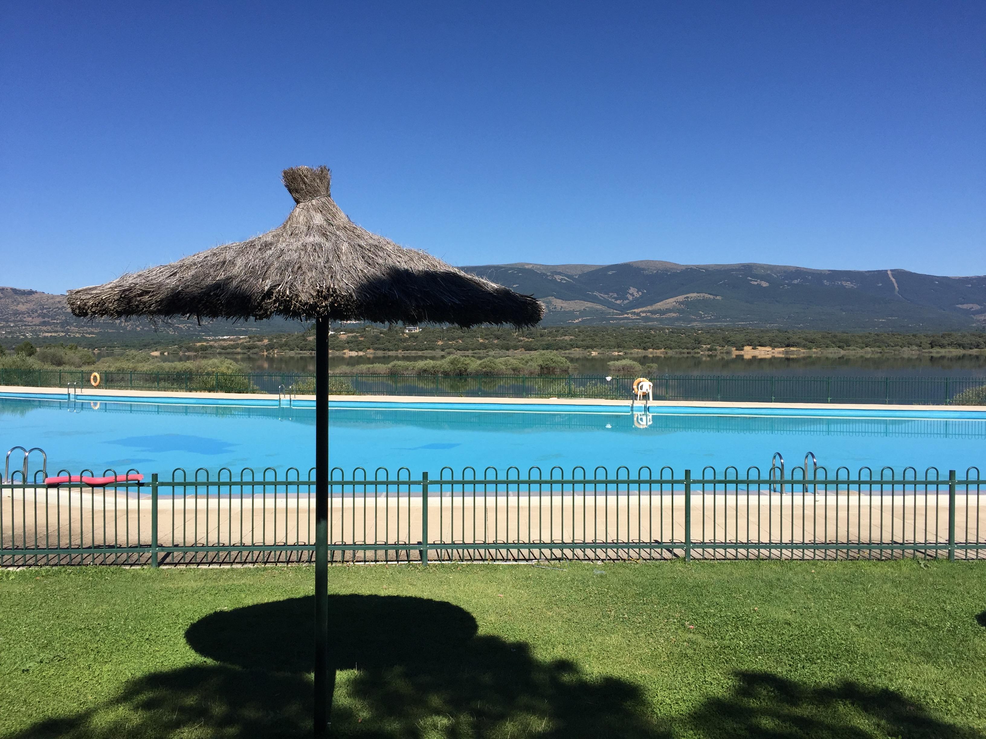 Buitrago de lozoya piscinas great las piscinas naturales for Piscinas diferentes en madrid